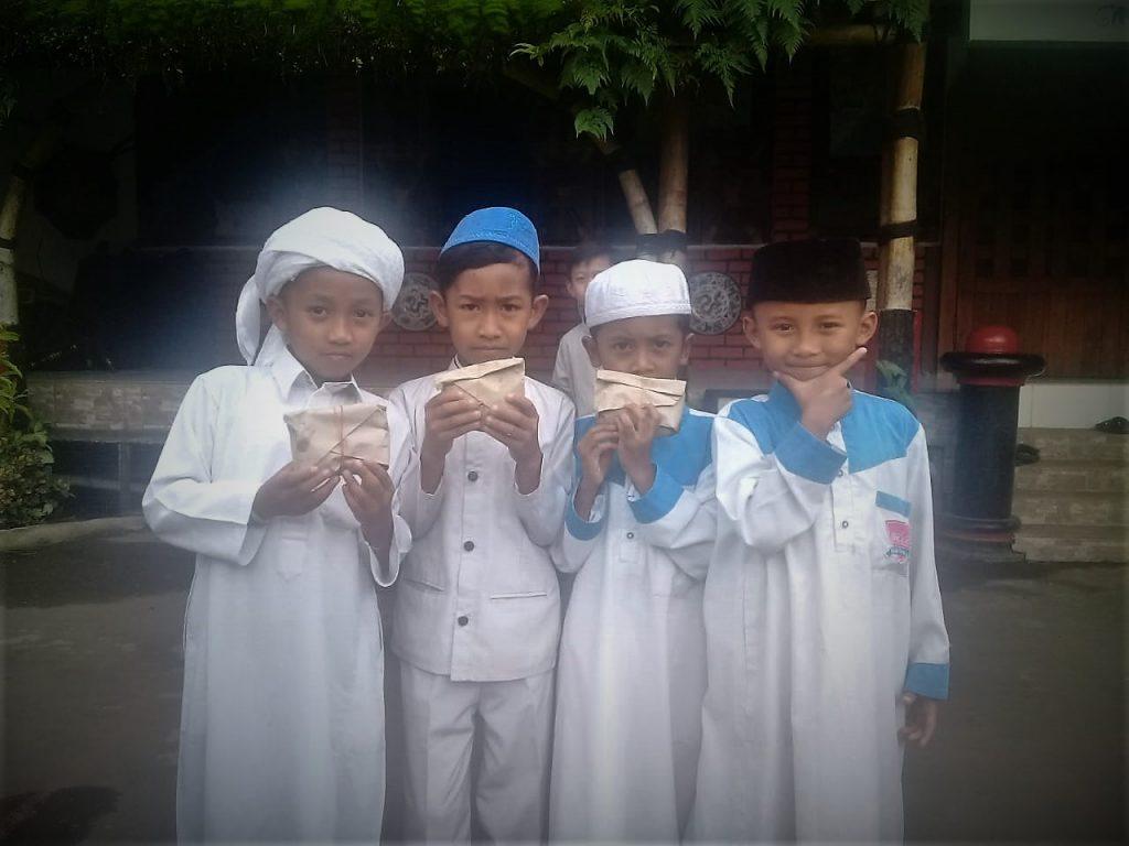 SD Tahfidz Qur'an -JUM'AT BERKAH ala SDIT AL FAJR